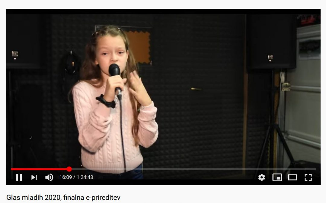 Učenka Lina Rožman se je uvrstila v finale Glas mladih 2020